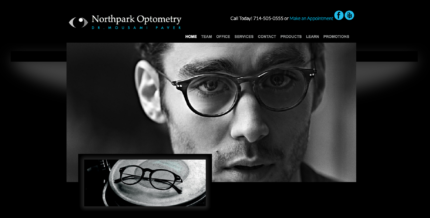 Example of a Dark Background Website with glasses and a man for optometry