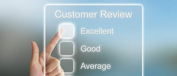 hand pointing to excellent customer review